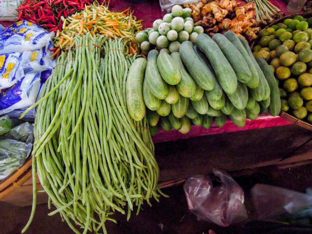 Schlangenbohnen Chilis Gurken Laos kulinarisch