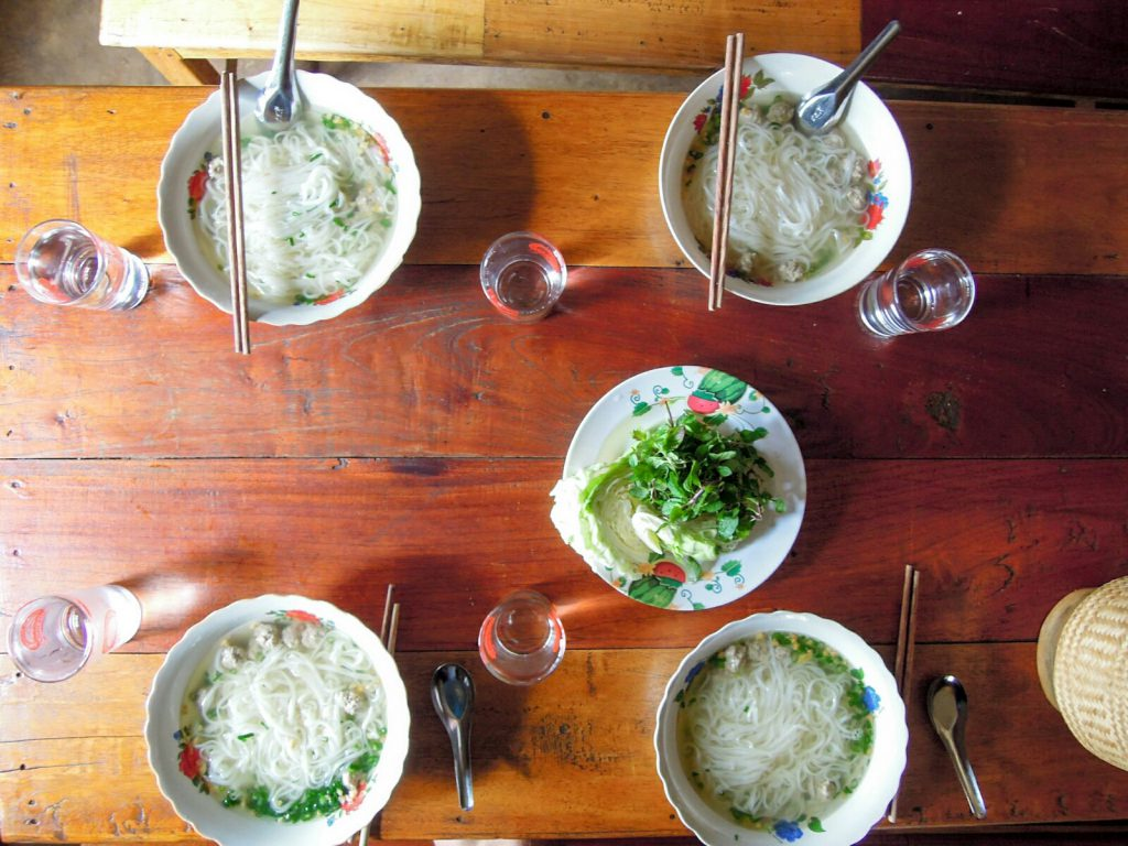 Fö Nudelsuppe Laos kulinarisch