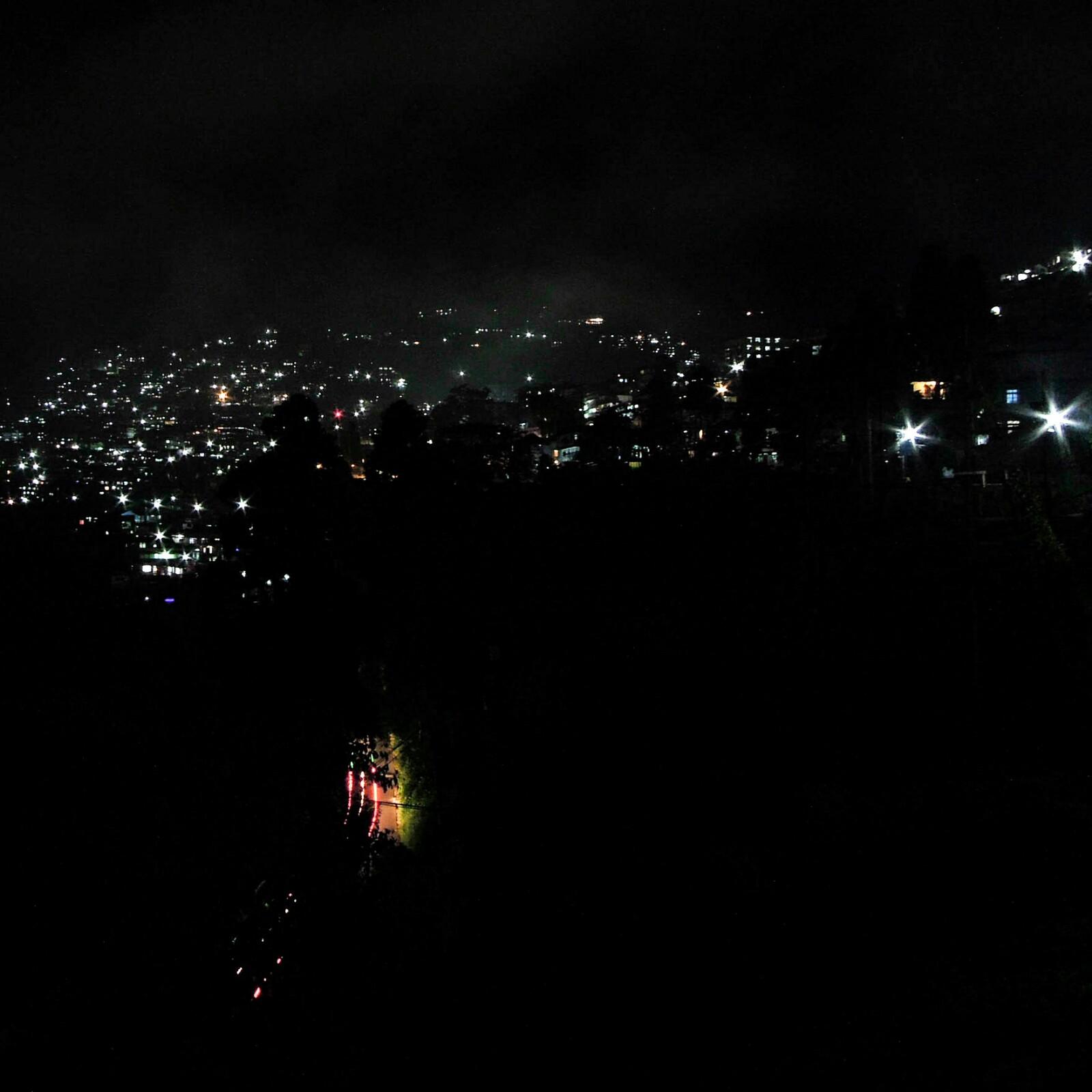 Kurseong bei Nacht